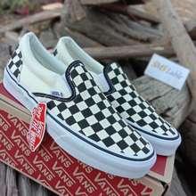 Vans Slip On Chackerboard ครีม - ดำ ลายตาราง สุดฮิต!! รองเท้าผ้าใบแนวสวม Street Shoe ฟรีของแถมอีกเพียบ!!! (EU:36)